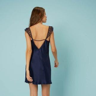 Nuisette en soie decolleté brodé avec dos raffiné - Bleu Nuit