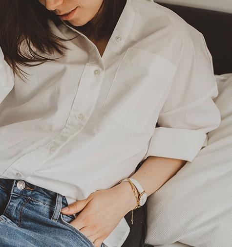 Porter sous ma chemise blanche