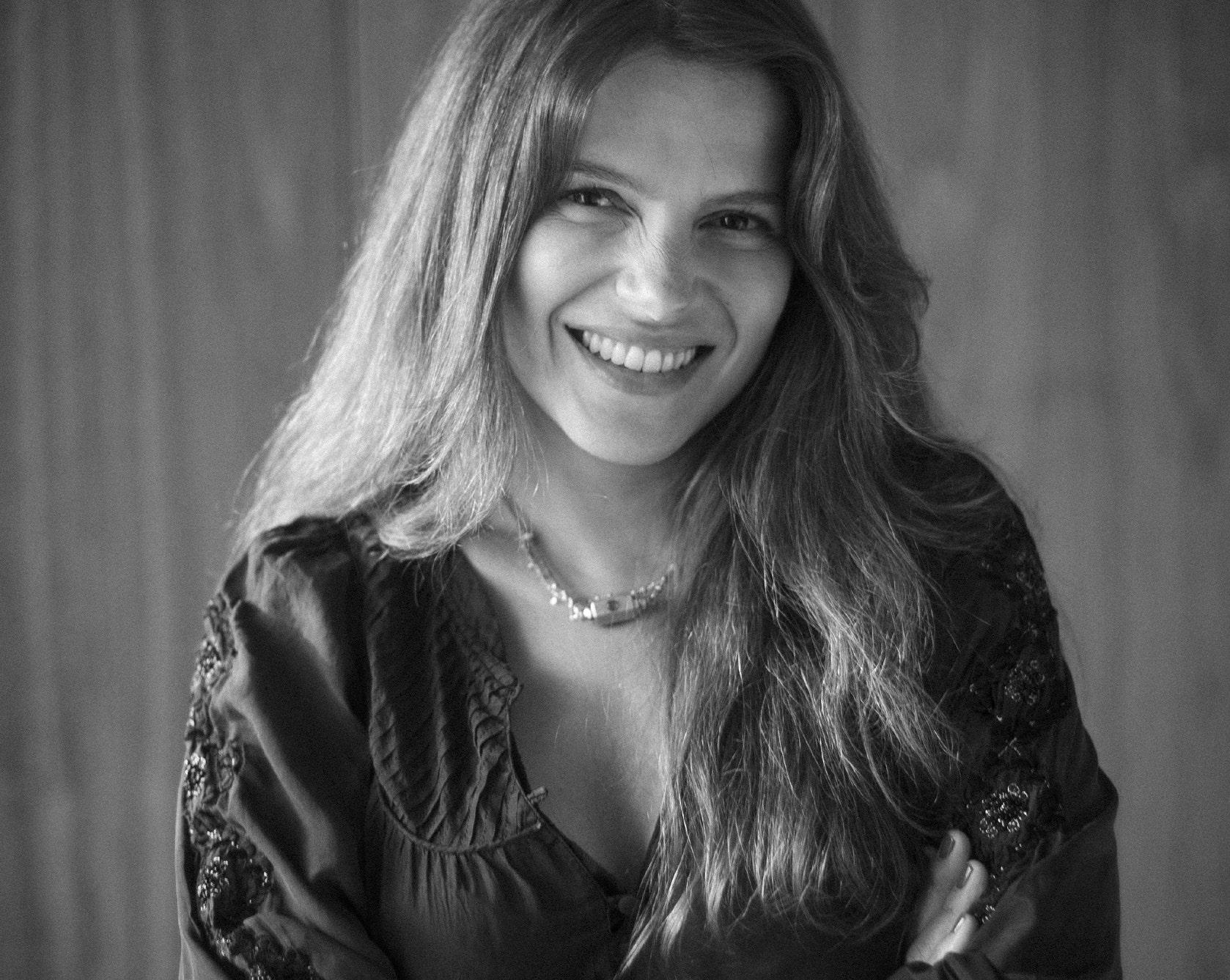 Portrait of Yasmine Auquier, co-founder of Rive Droite Paris | Simone Pérèle